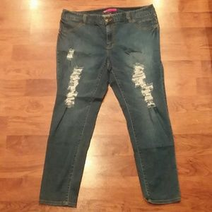 Elle Distressed Jeans Size 18W